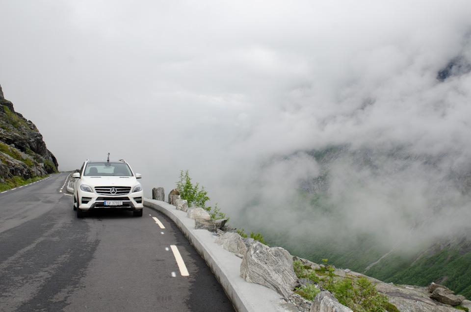 Trollstigen in Norwegen im Nebel