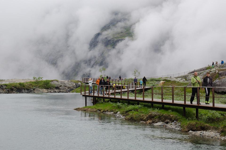 moderner Aussichtspunkt Trollstigen Norwegen