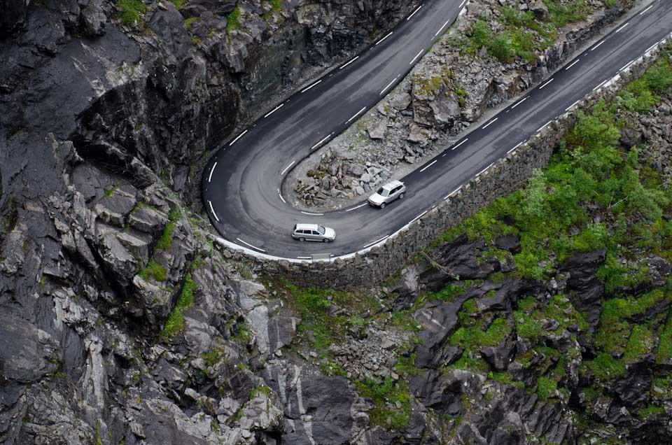 Verkehr auf dem Trollstigen in Norwegen