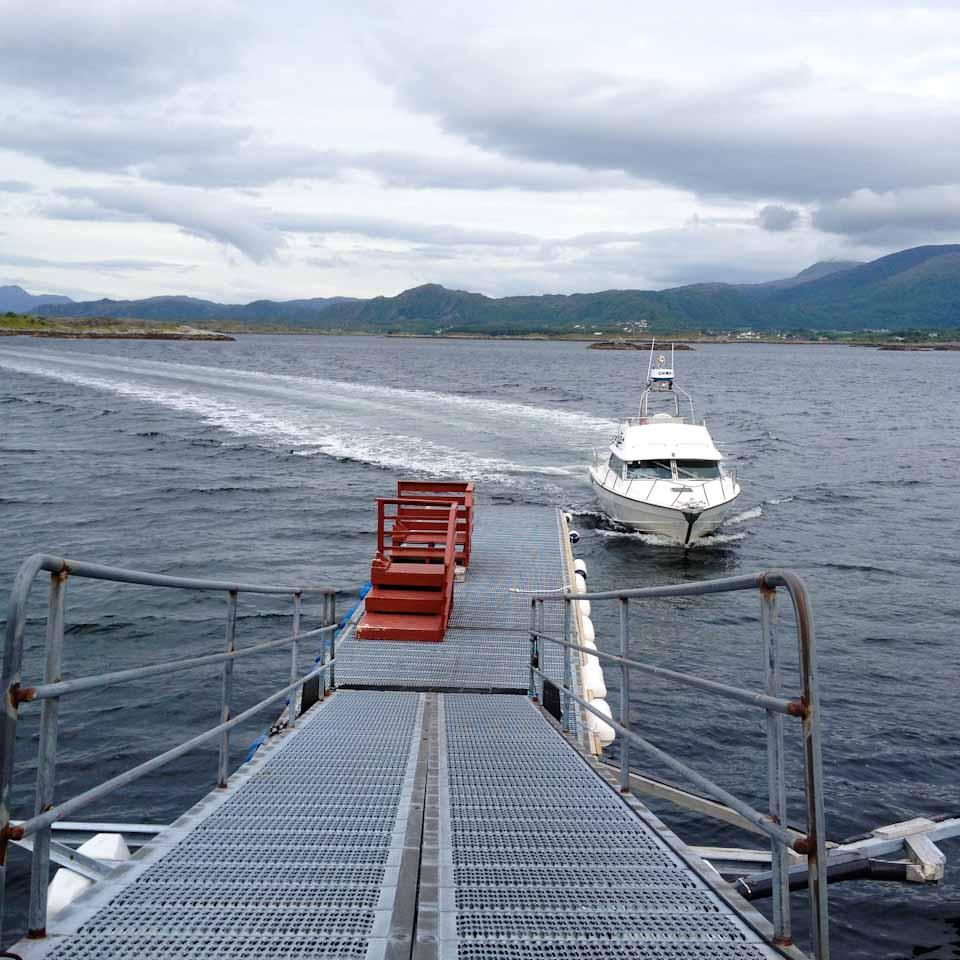 Taxi Boot nach Haholmen