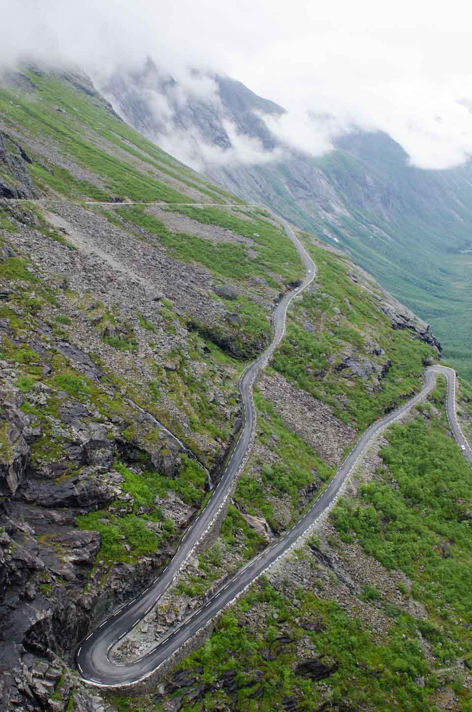 die Haarnadelkurven des Trollstigen in Norwegen