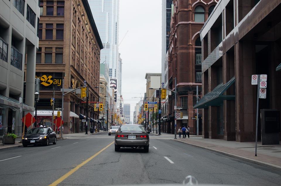 Fahrt auf der Yonge Street