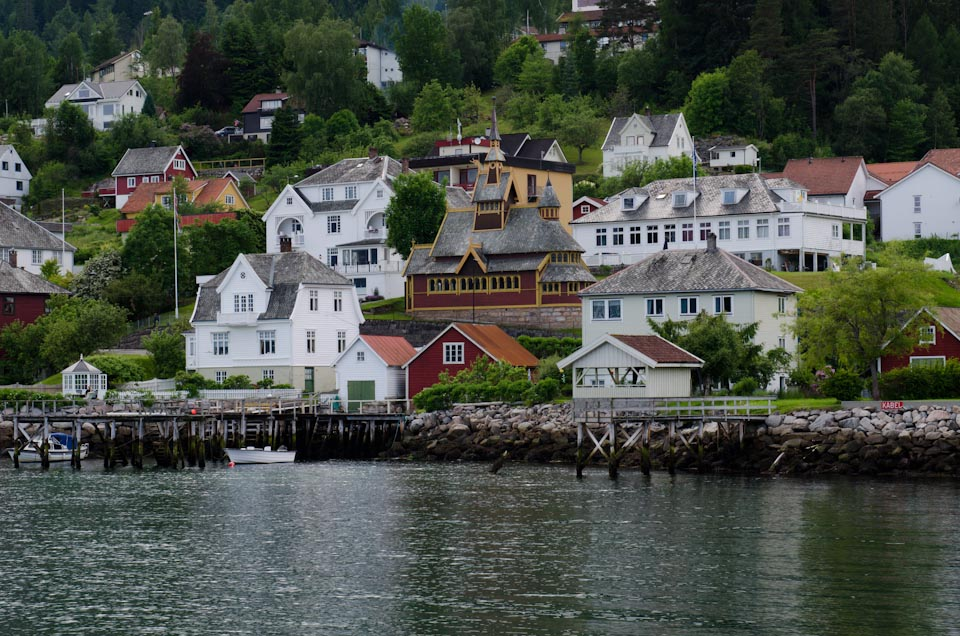 die drachenh user von balestrand norwegen der sognefjord. Black Bedroom Furniture Sets. Home Design Ideas