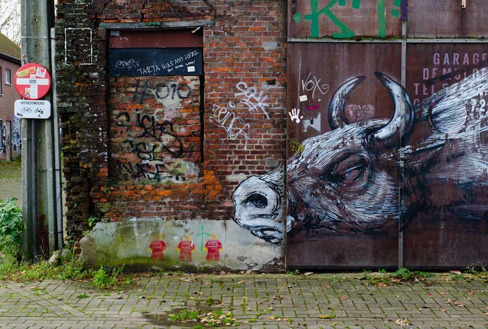 Ein echter ROA in Doel, Belgien. Einer von vielen.