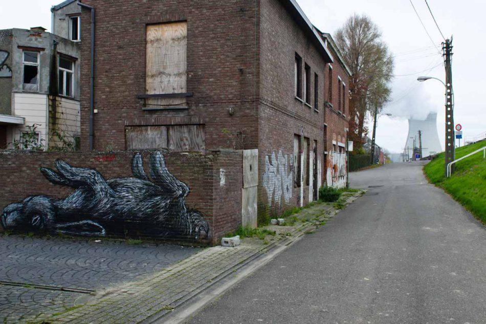 Wie ROA und andere Streetartists ein ganzes Geisterdorf in ein Kunstwerk verwandelten