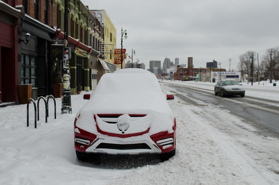Schnee in Detroit Corktown Mercedes-Benz GLK