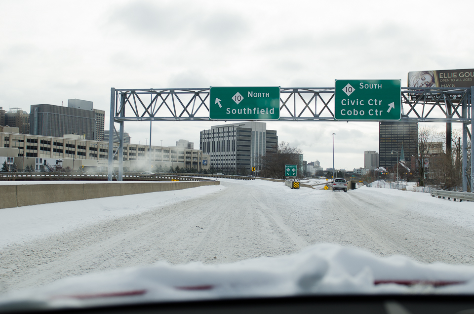 Schnee in Detroit Freeway Southfield