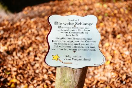 Auf dem Märchenwanderweg in der Lüneburger Heide