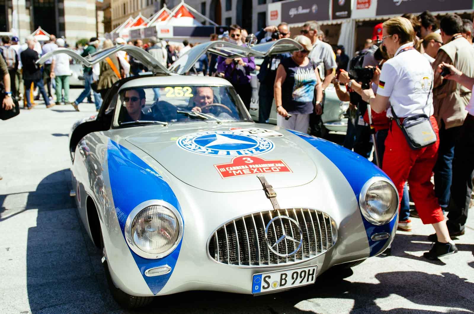 Jochen Mass bei der Mille Miglia 2014 - Köln Format