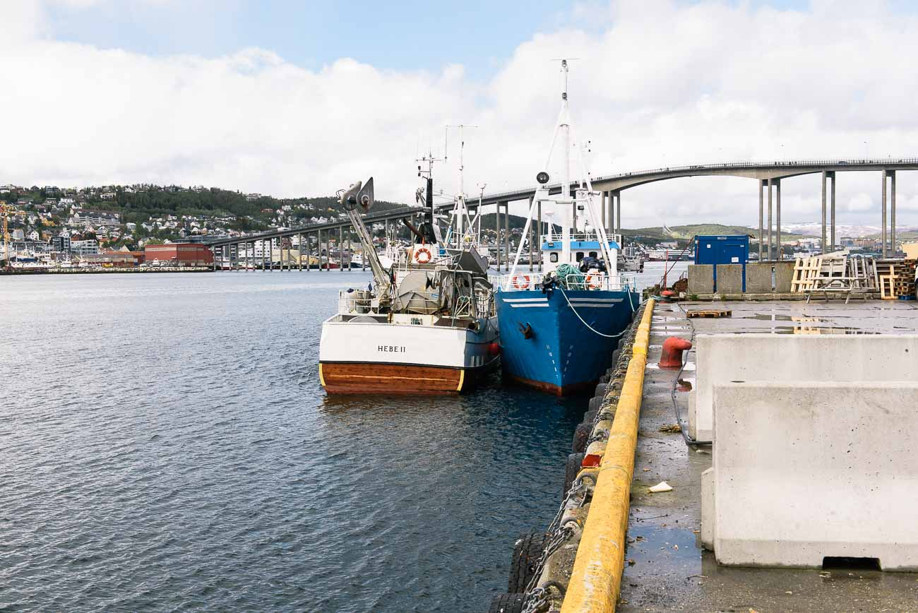 Schiffe im Hafen von Tromsø