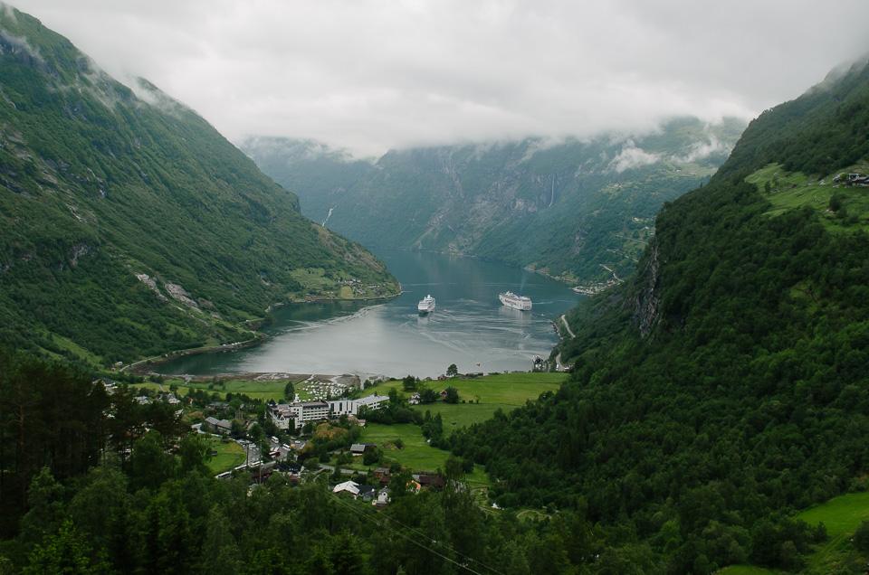 Wahnsinnsblick auf den Geirangerfjord vom Aussichtspunkt